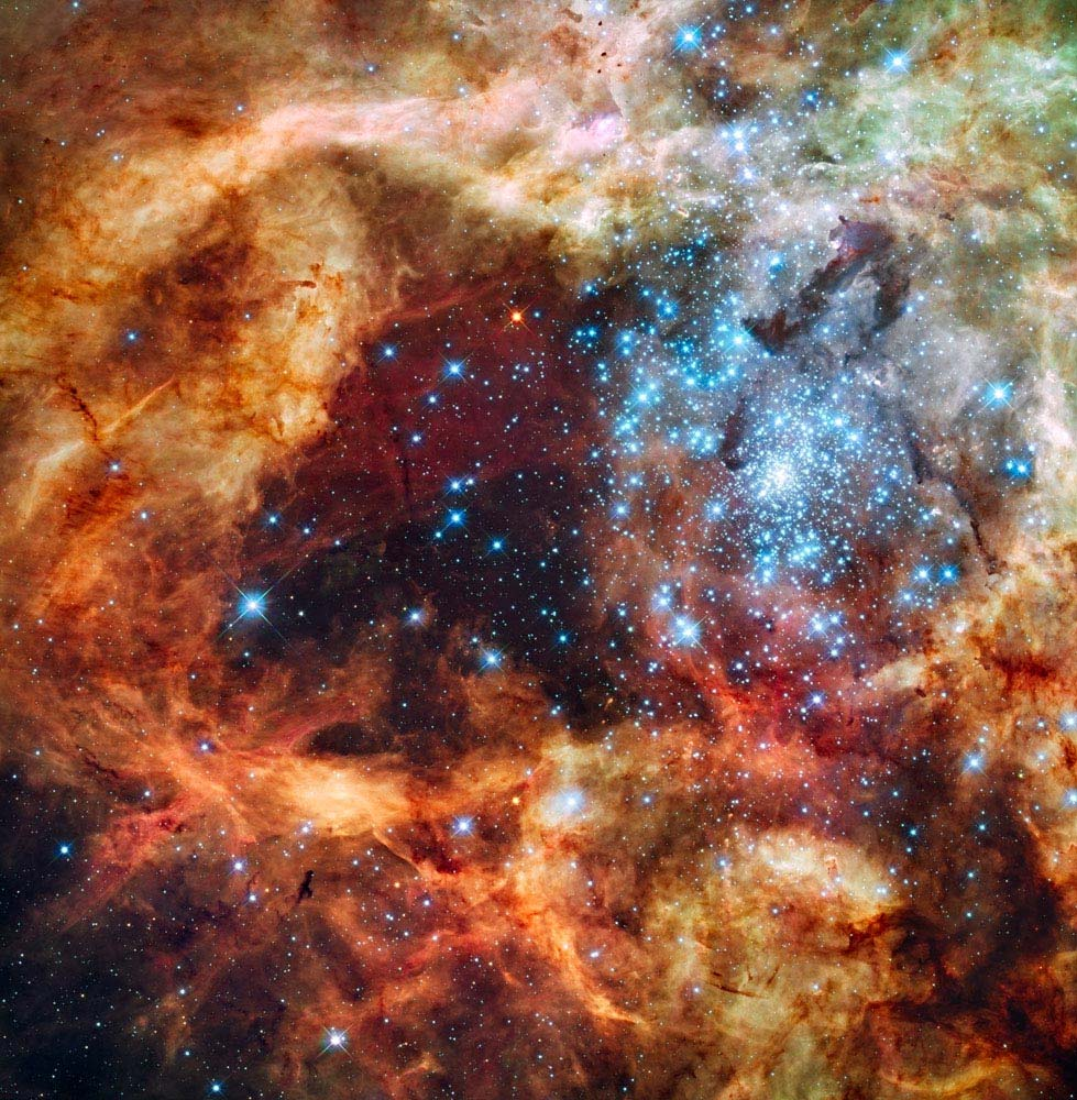 Hubble Space Telescope Sees Cosmic Christmas Ornament? « The ...